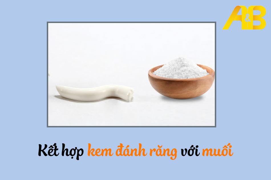 Kết hợp kem đánh răng với muối trị mụn bọc